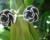 Black Rose - ring and bobby pin set featuring a black rose with white outline