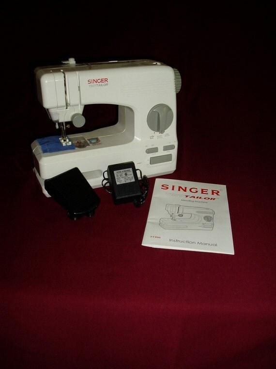 singer tiny tailor mending machine