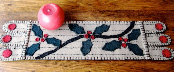 Holly and Berries Penny Rug Table Runner in Taupe, Red, and Green