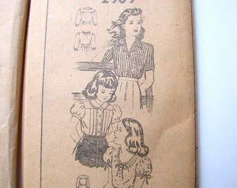 Vintage Pattern Teen Blouse Shirt, 40s or 50s Mail Order Factory Folded