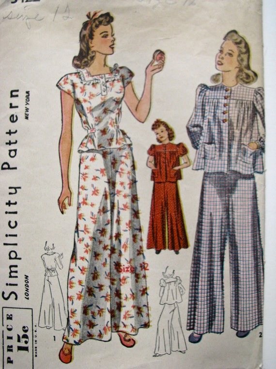 Vintage 30s or 40s Girls Lingerie Pajama Pattern, PJ Trousers Blouse and Smock, COMPLETE Simplicity 3422, Size 12 Girls