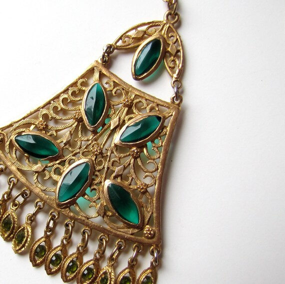 Vintage Necklace Emerald Green and Gold tone Large Pendant