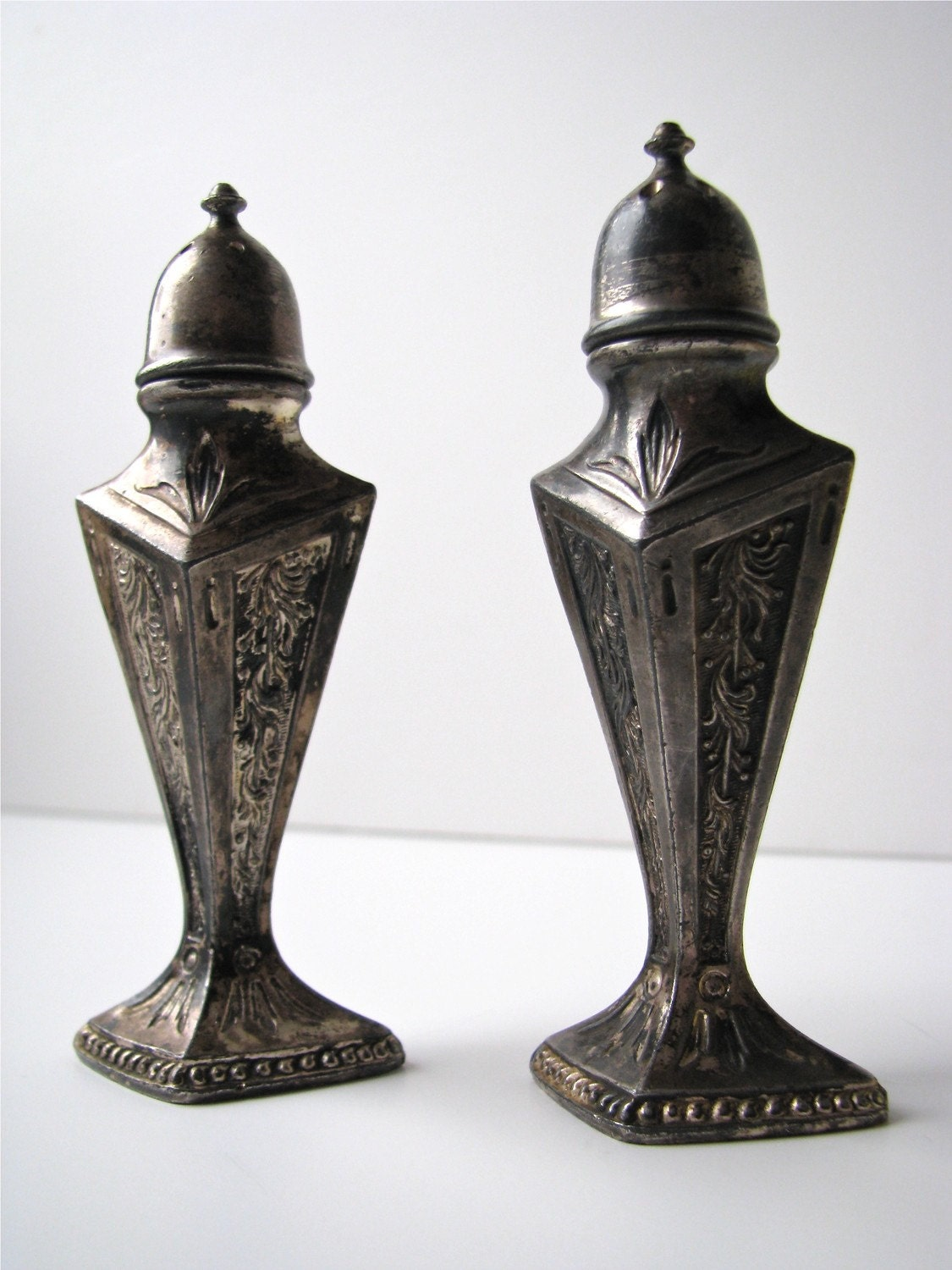 Vintage Silver Plate Salt And Pepper Shakers Weidlich Brothers