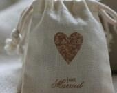 muslin favor bags JusT MaRriEd n HeArT x10, muslin wedding favor bags, gift bags for goodies