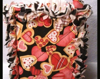 Rag Quilt Boutique Tissue Box Cover Handmade with Cookie Hearts on Black Fabric