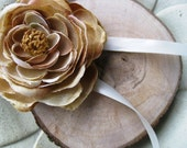 Ring Pillow- Natural Wood and Beige/Camel Ranunculus