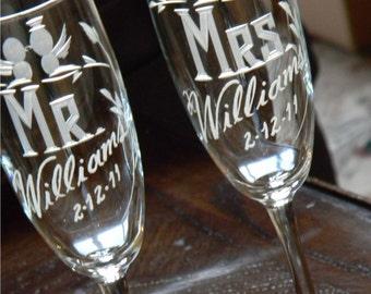 Mr & Mrs Personalized Lovebird Champagne Flutes, Set of 2
