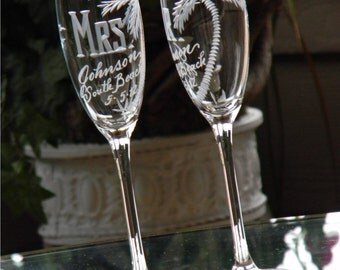 Beach Theme Destination Wedding Champagne Flutes. MR and MRS, palm tree and any location. South Beach, Key West, Cancun, Set of 2