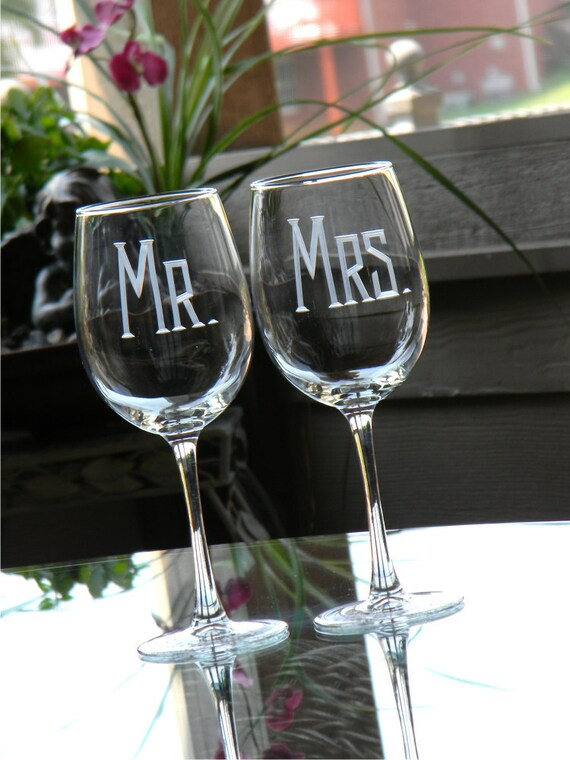 Mr & Mrs Hand Engraved Wedding Wine Glasses - Set of 2