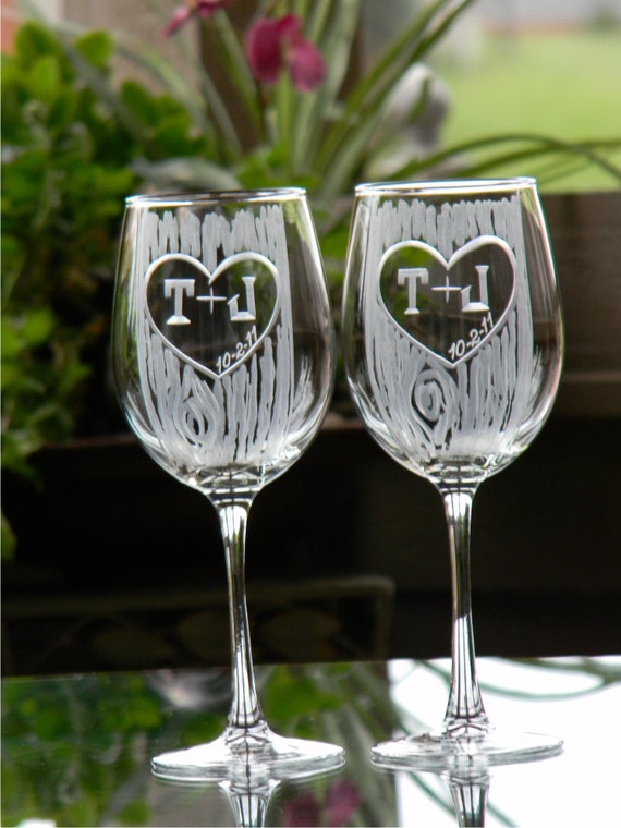 Set of 2 Carved Tree Trunk Wine Glasses with Heart and Initials