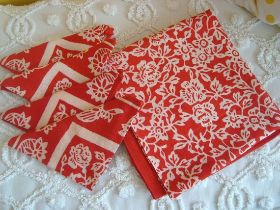 Vintage Tablecloth and Napkin Set Retro Red Ivory Floral Pattern
