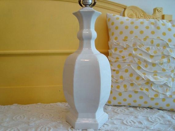 Amazing Vintage White Ceramic Ginger Jar Lamp Unique Shape