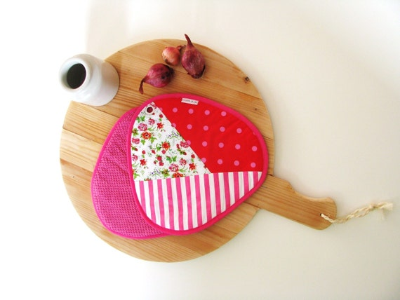 fun potholders - colorful kitchen - pink patchwork pair of potholders - ostat