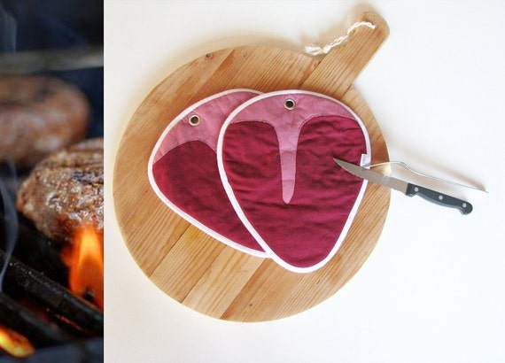 juicy T- bone steak bbq pair of potholders - masculine potholders - grilling bbq garden party - red meat - foodie gift