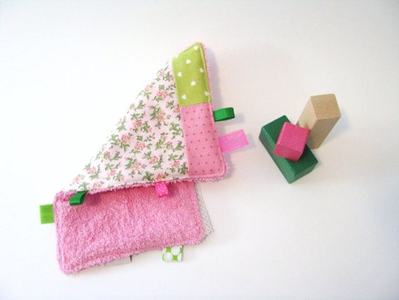 SALE - burp cloth - floral pink and green patchwork taggie - baby girl - babyshower gift - SALE