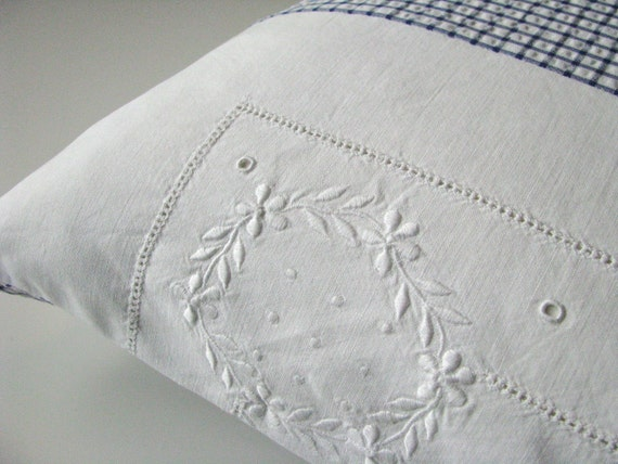 blue and white pillow - cushion cover - patchwork - french cottage style - ostat