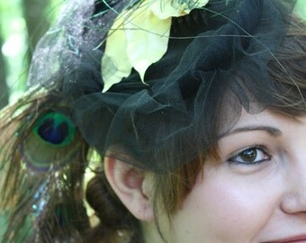 Mona// Striking Handmade Mini-Hat/Vintage Style Fascinator