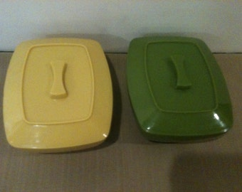 Pair of 1960s Vintage Plastic Containers with Lids