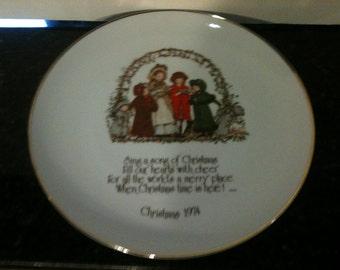 Vintage 1974 Holly Hobbie Christmas Plate