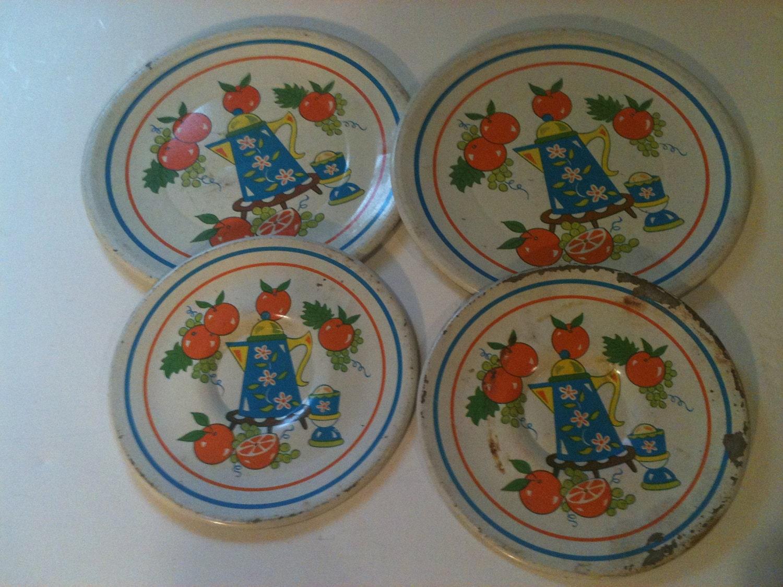Vintage Tin Plates 110