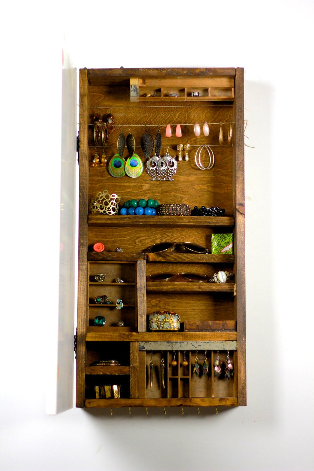 Wooden Jewelry Storage Made From Rustic Wood Wall Hanging