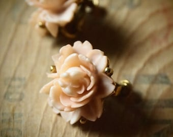 vintage pink rose earrings