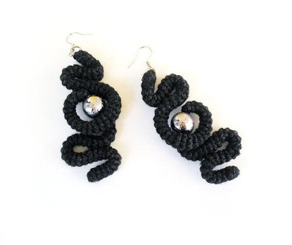 Curled Crochet Tube Earrings Black Silver