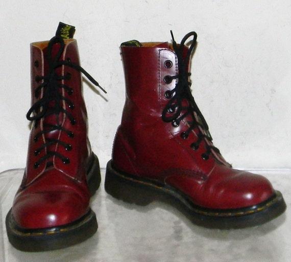 womens sz 6 maroon doc marten combat boots