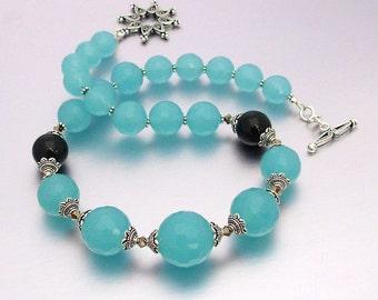 "18"" Graduated Blue Chalcedony & Onyx Necklace"