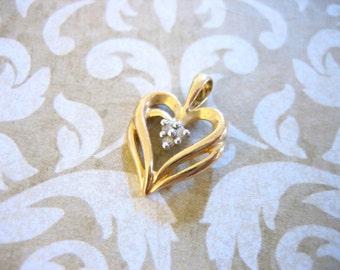 Vintage 10 KT Gold Heart Pendant w Diamonds
