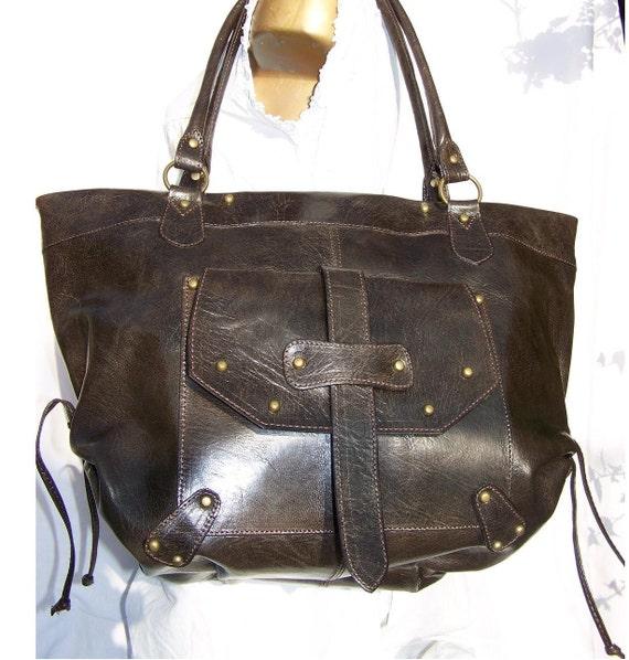 Handcrafted artisan genuine leather tote handbag shoulder bag Evrah in dark brown fits a 17 inches laptop