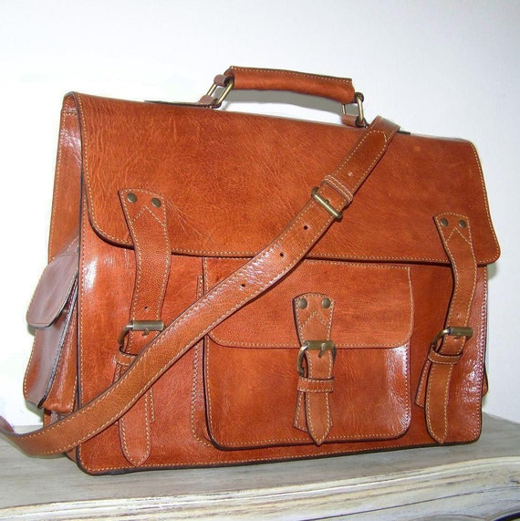 "15"" Tan Leather Messenger Bag Handbag Neder size XL fits a 15 inches laptop SALE"