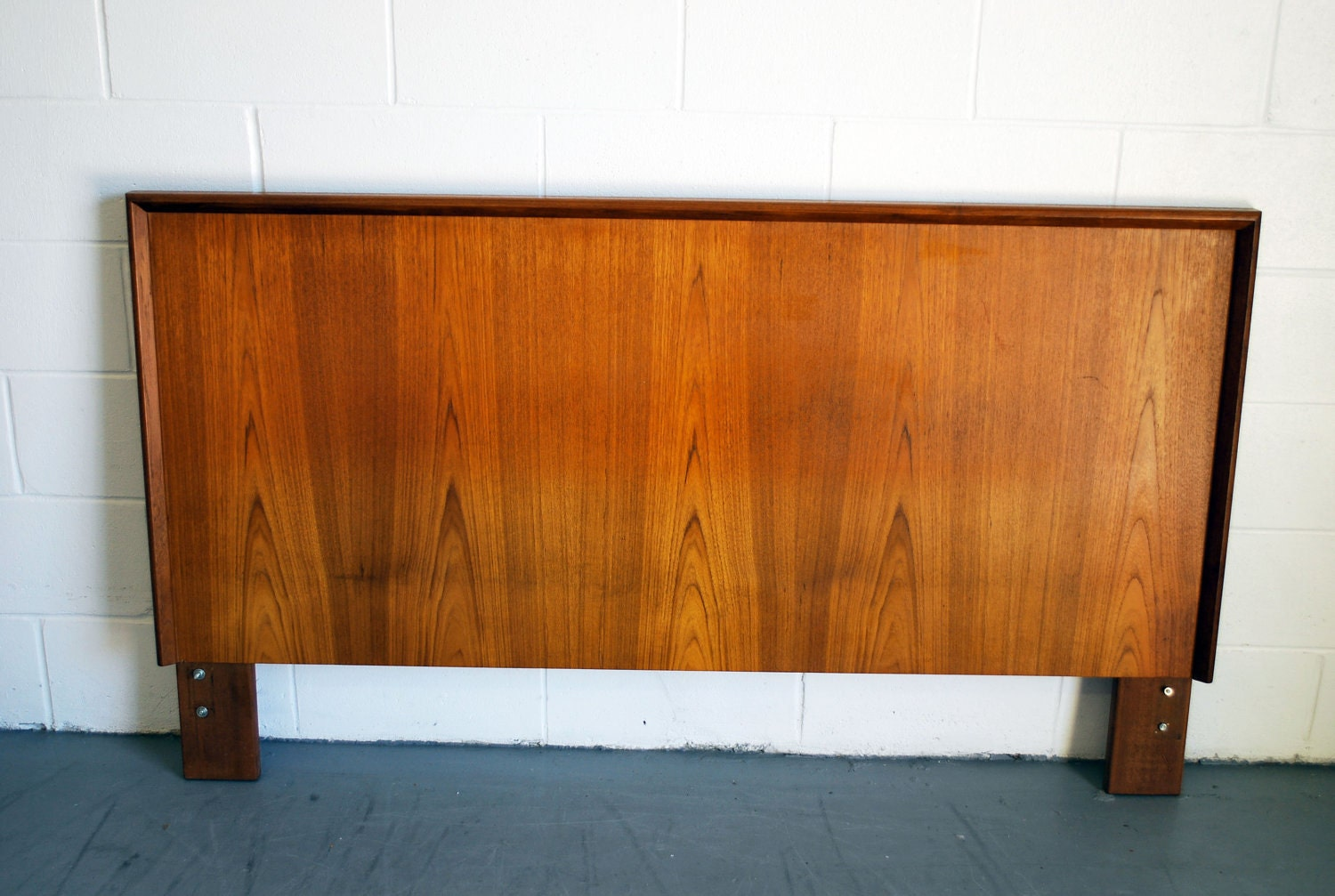 mid century modern queen size headboard. Black Bedroom Furniture Sets. Home Design Ideas