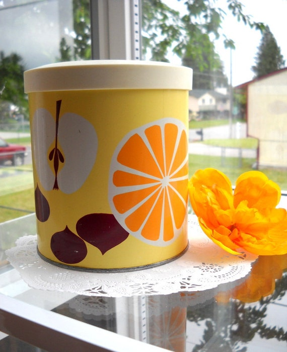 Charming Vintage Tin Container - Sweet Yellow Apples & Oranges