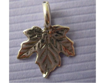 2  Sterling Silver detailed Maple Leaf Pendants or Charms - Antiqued - sturdy - Nature - Quality