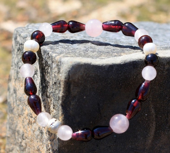 Unconditional Love Gemstone Bracelet with Rose Quartz, Garnet and Mother of Pearl beads