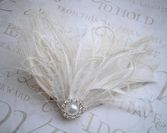 Ivory Wedding hair accessory, Bridal, veil, Feather, Feathered, Fascinators, Accessories, wedding, Bride, Peacock - IVORY WEDDING BELLS