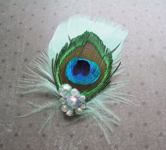 Bridal Hair facinator, Peacock Feather wedding Clip, Peacock Boutonniere, wedding, green, bridesmaids - SEEGREEN SEASHELL