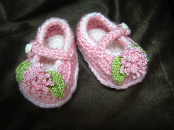 CROCHET PATTERN - baby shoes, baby pattern, pink baby mary jane shoes, booties,PDF format
