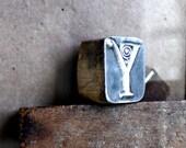 Reserved for Y. // Vintage Y Letterpress Printing Stamp / Block. 0.9''. 2.4cm high