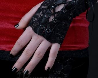 Fingerless lace gloves