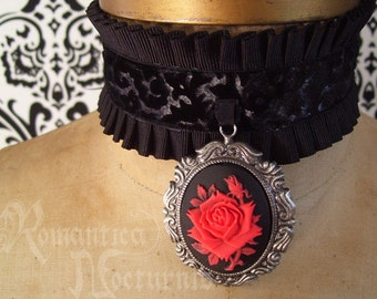 Victorian cameo choker with pleats