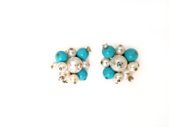 Vintage Earrings - Clip ons - 1960 Turquoise Blue and White Beads Gemstone accents - Mid Century Vintage Jewelry