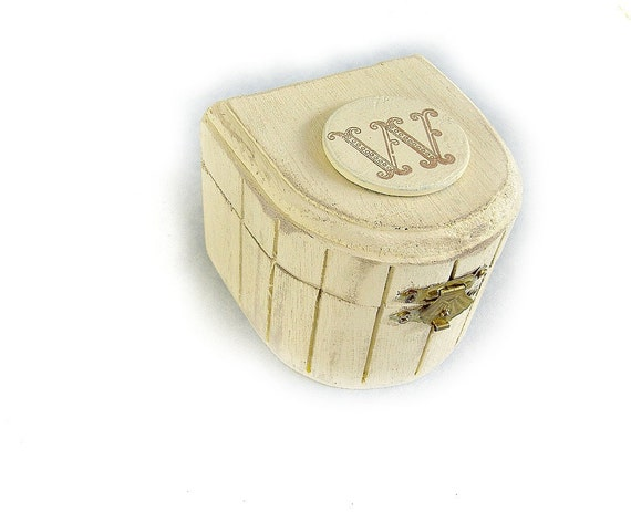 """Personalized """"Free""""  Small Shabby Chic Box"""