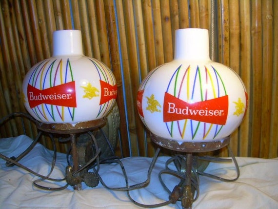 BEAUTIFUL VINTAGE BUDWEISER Wall Sconces/ restaurant promo beer light lamp