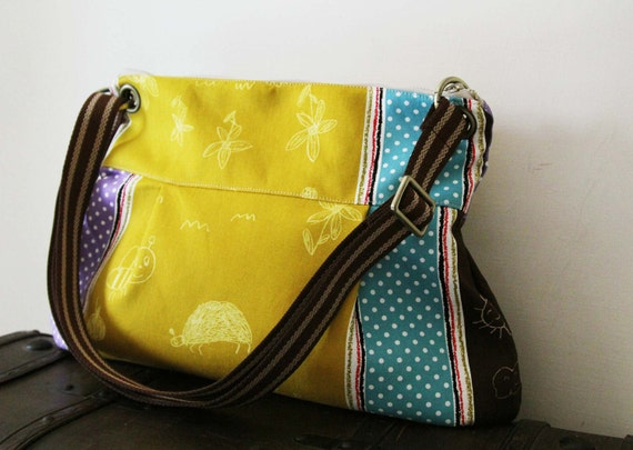 Women Messenger Bag Cross Body Purse wtih  Zipper closure - colored
