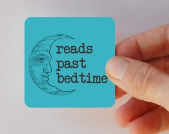 reads past bedtime square magnet
