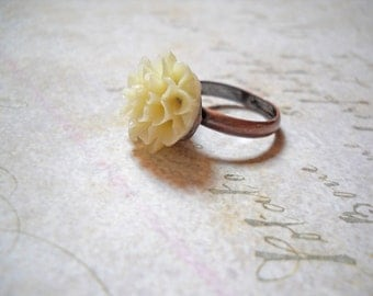 Ivory Flower Ring on Copper Band Off White Cream Flower Ring Resin on Antiqued Copper Adjustable Band Wholesale Rings