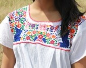 Pretty Hippie Hand Embroidered Hummingbirds Flowers Vintage Mexican Peasant Blouse 1970s