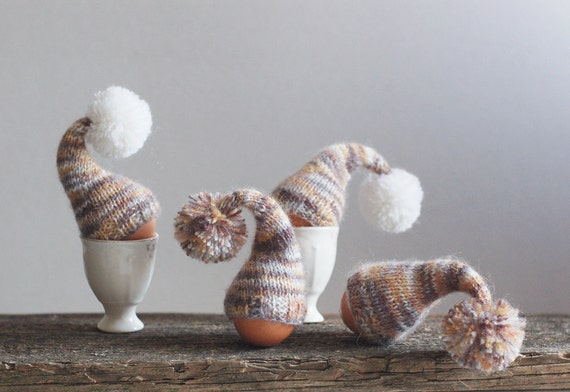 SALE 10% OFF Rustic chic. Set of 4 knitted egg warmers